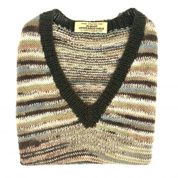 Brown stripe V neck 6-7 y